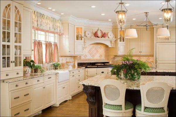 короткие шторки кафе на кухню