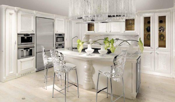 роскошный арт деко на белой кухне