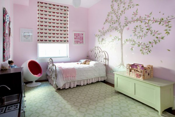 римские шторы с бабочка в детской для девочки