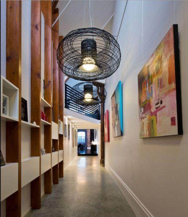 стильные светильники в коридоре