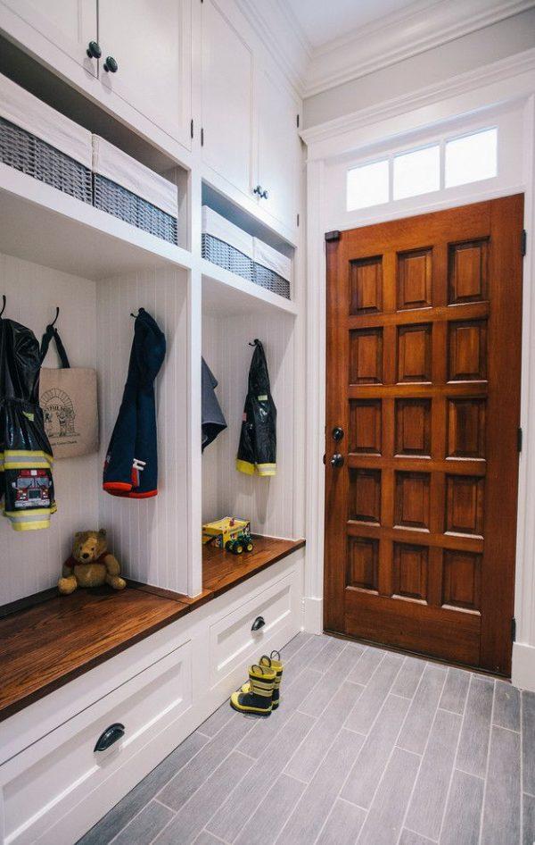 шкаф до потолка в прихожей