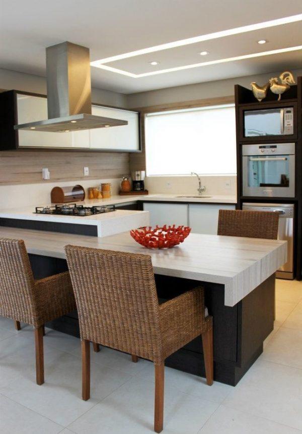 плетённый сиденья на кухне