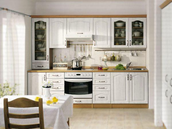 прямолинейная кухня в стиле классика