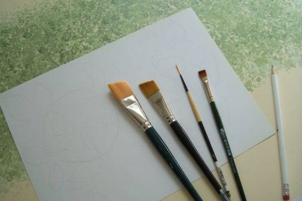 что нужно для рисунка на стене кисти краски