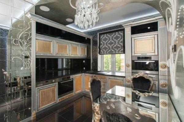 роскошная кухня с фигурными фасадами