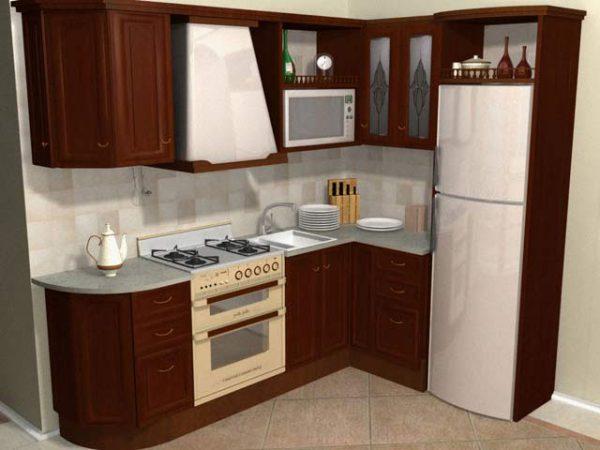 угловая кухня с холодильником