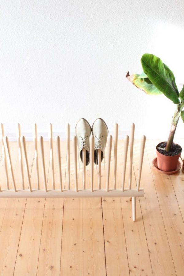 оригинальная полка для обуви в виде граблей