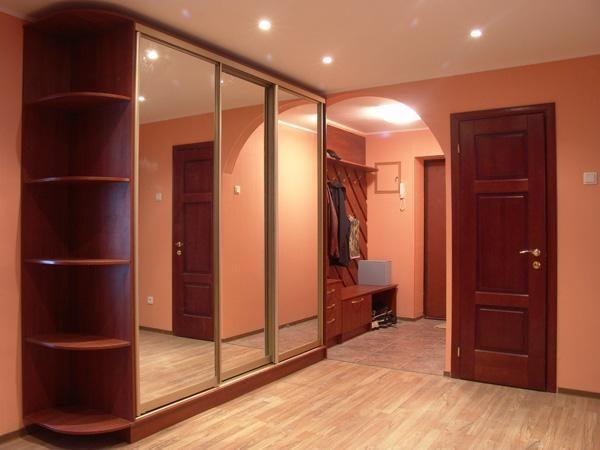 прямые встроенные шкафы для прихожей