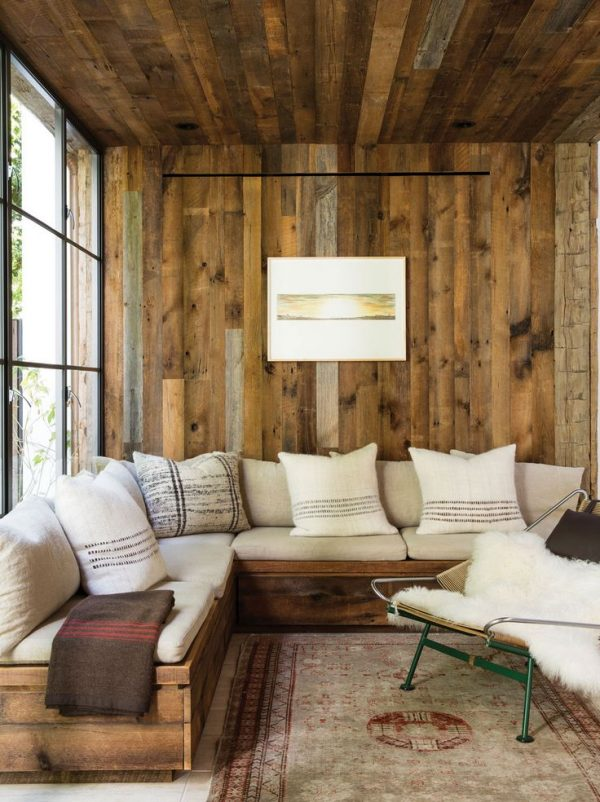 деревянная отделка прихожей