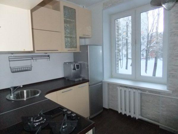 013-modniy-dizain-interiers-kuhni-v-chruchevke-specifika-chruchevskogo-stilya
