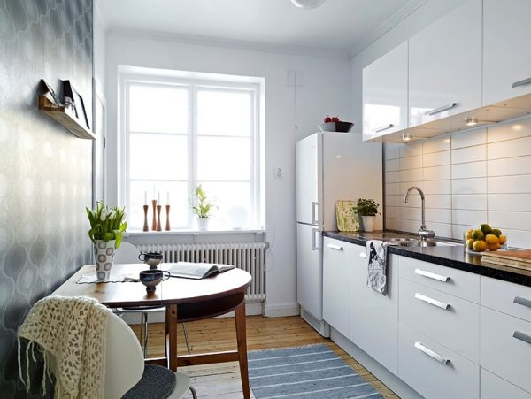 white-small-apartment-kitchen-50-kitchen-backsplash-ideas-metallic